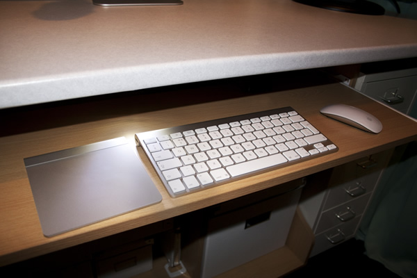 MacBites Studio Keyboard Shelf